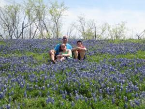 4-19-14 Dad & kids on bluebonnet hill